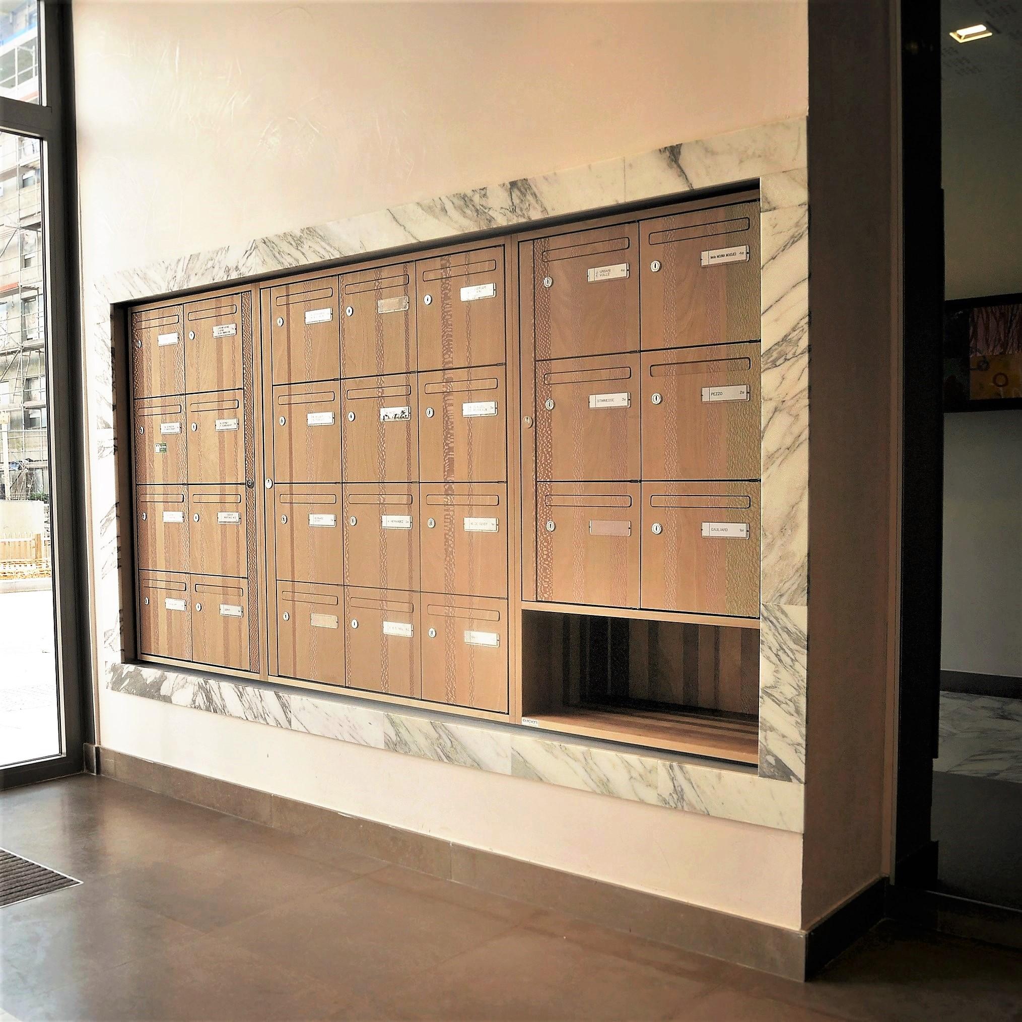 Boites aux lettres Elégance 4 avec placage bois Marotte collection Bayadere